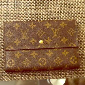 Vintage Louis Vuitton Ladies TriFold Wallet/Clutch